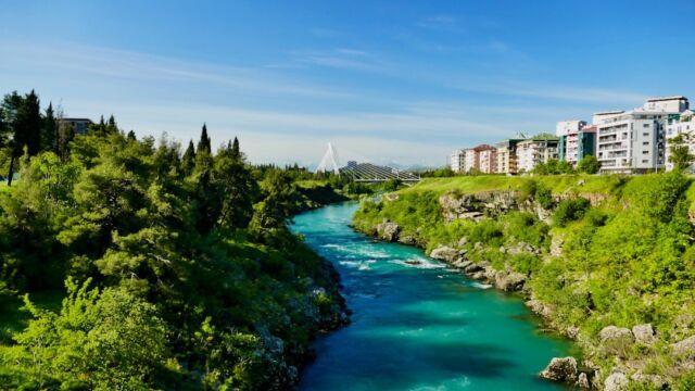 On my way to Podgorica, the capital of Montenegro, I saw the modern Millennium Bridge already from afar. The 173 m cable-stayed bridge crossing the Morača was opened on July 13, 2005, the national holiday, and is a symbol of growth. It has now become the city's landmark. . Auf meinem Weg nach Podgorica, der Hauptstadt Montenegros, sah ich schon von weitem die moderne Millennium-Brücke. Die 173 m lange Schrägseilbrücke über die Morača wurde am 13. Juli 2005, dem Nationalfeiertag, eröffnet und gilt als Symbol des Wachstums. Sie ist inzwischen zum Wahrzeichen der Stadt geworden. . https://www.koelln.org/uebersicht-griechenland . #capital #millennium #symbol #brücke #schrägseilbrücke #feiertag #nationalfeiertag #morača #podgorica #stadt #wahrzeichen #montenegro . #growth #landmark #bridge #cablestayedbridge #holiday #nationalholiday #city . #wohnmobil #wohnmobile #wohnmobilreise #wohnmobilreisen #reise #reisen . #motorhome #camper #roadtrip #travel